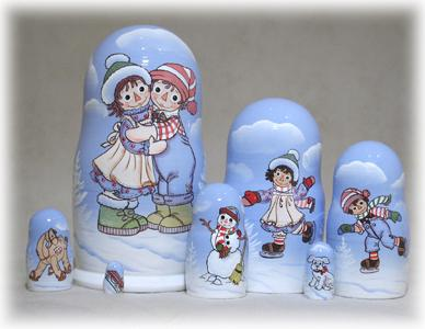 Raggedy Ann / Andy Winter Nesting Doll